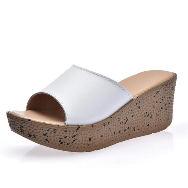 【89 zone】經典素面厚底楔型涼鞋(白)