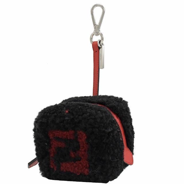 【FENDI 芬迪】羊毛骰子扣環雙吊飾鑰匙圈造型零錢包(黑)