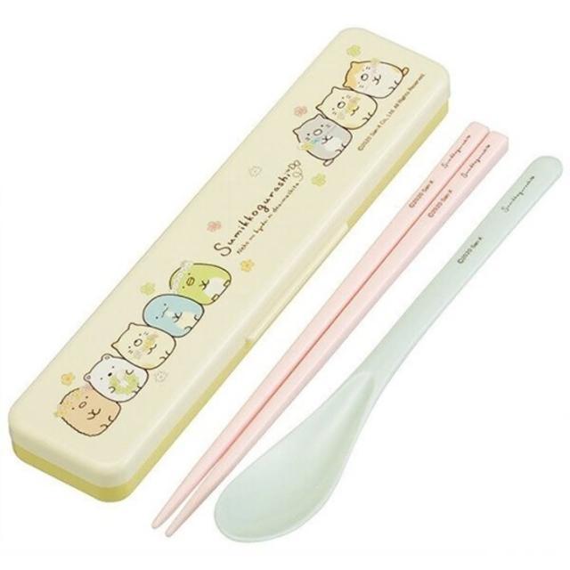 【小禮堂】角落生物 日製 盒裝兩件式餐具組 匙筷 抗菌餐具 環保餐具 Ag+ 《黃 花圈》