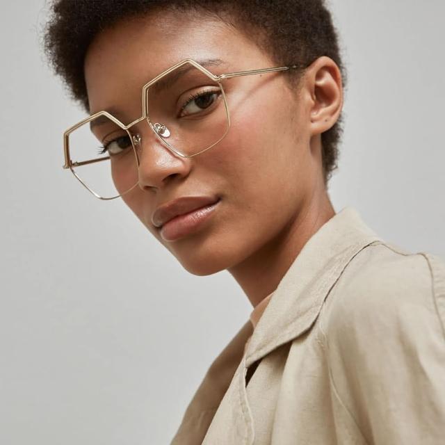 【GIGI Studios】六角形氣質雕刻眉框光學眼鏡(金 - WANDA-6440/5)