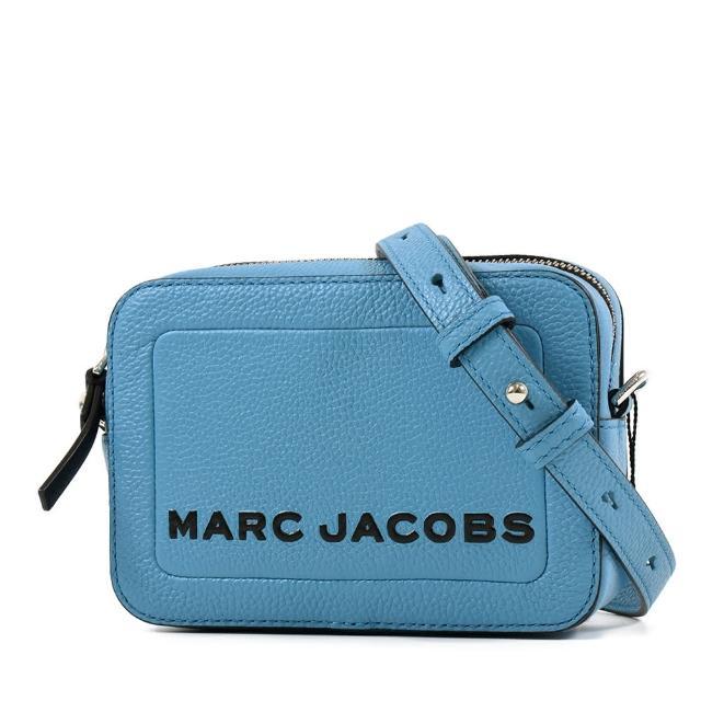 【MARC JACOBS 馬克賈伯】黑字LOGO荔枝紋方形斜背相機包-格呢藍