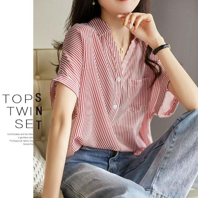 【UGIZ】修身氣質甜美溫柔純色條紋V領造型上衣(M-XL)